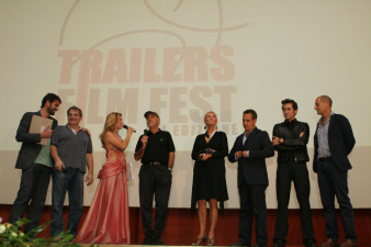 IL CAST DI BUTTERFLY ZONE CON FRANCESCO SALVI E BARBARA BOUCHET