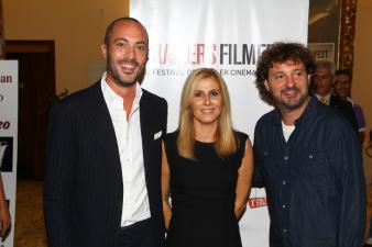 Il dg Warner Bros Italia Nicola Maccanico, il direttore artistico Stefania Bianchi e il regista Leonardo Pieraccioni