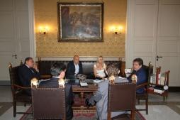 Stefania Bianchi e lo staff con il Sindaco Bianco